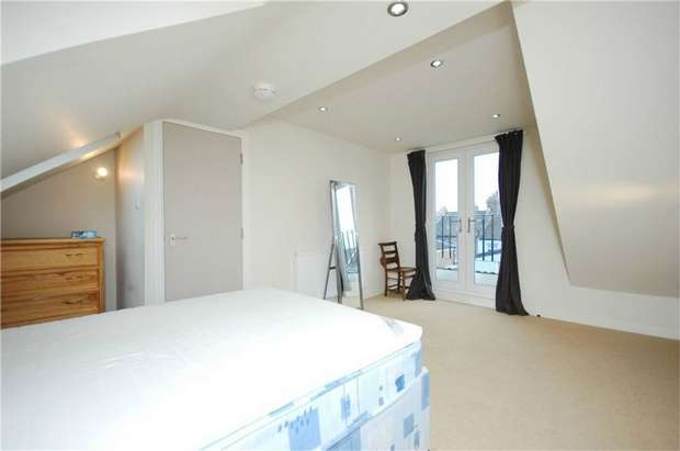 2 Bedrooms Flat for sale in Greyhound Road, Kensal Rise, London