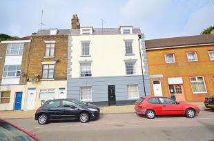 1 Bedroom Flat for sale in Snargate Street, Dover, Kent