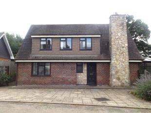 3 Bedrooms Bungalow for sale in Sands Lane, Small Dole, Henfield, West Sussex