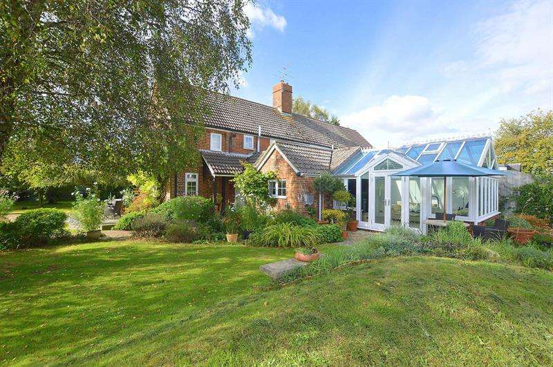 3 Bedrooms Semi Detached House for sale in Matterly Cottages, Horton, Wimborne