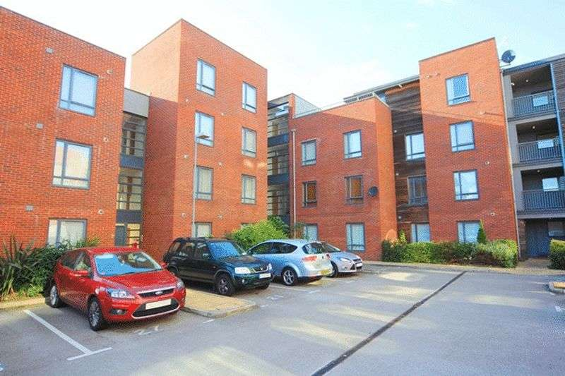 2 Bedrooms Flat for sale in Carlett View, Garston, Liverpool, L19