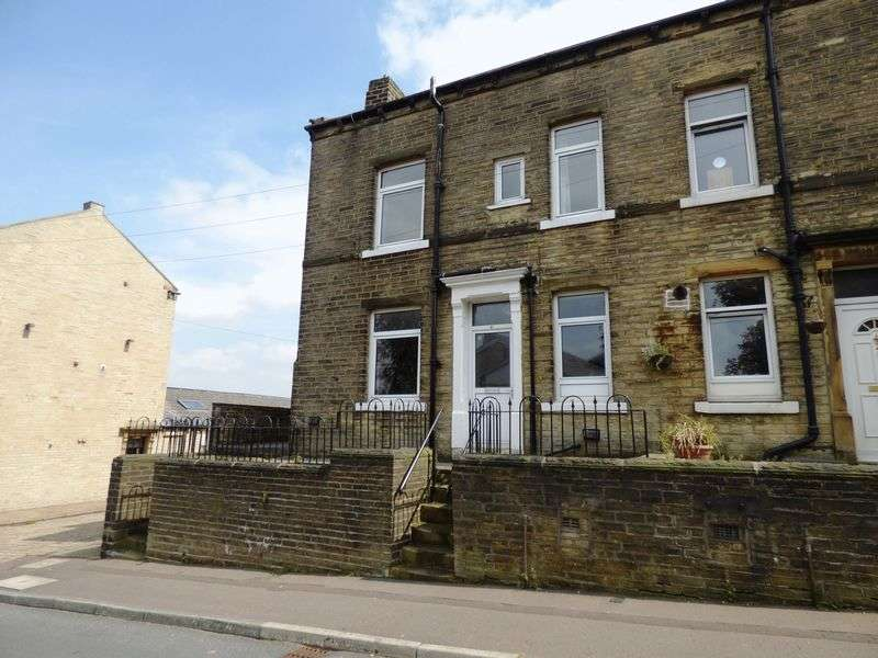 3 Bedrooms Terraced House for sale in Moorfield Street, Halifax