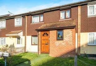 3 Bedrooms Terraced House for sale in Luddenham Close, Ashford, Kent