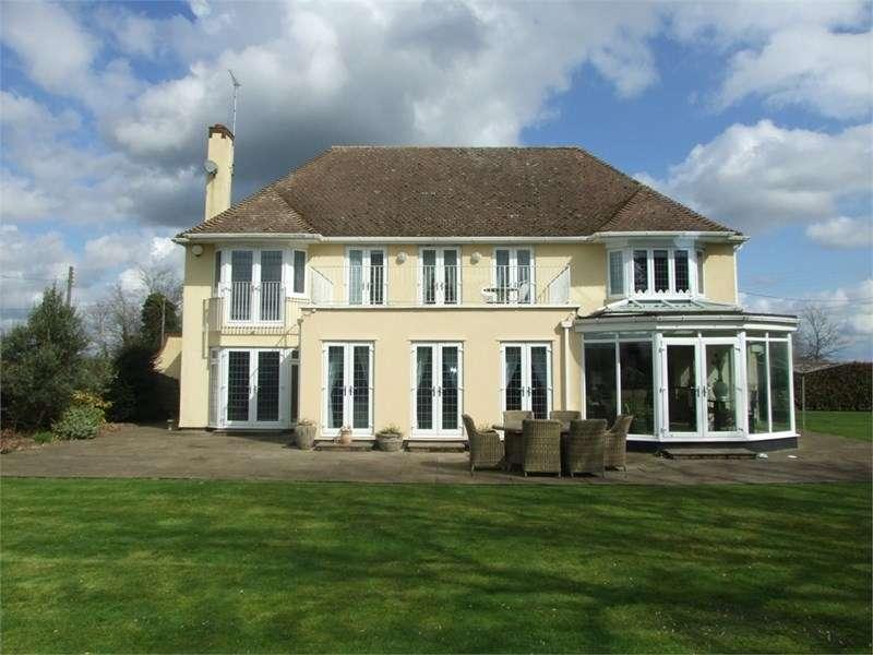 5 Bedrooms Detached House for sale in Magdalen Laver, Ongar, Essex