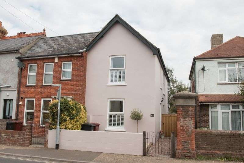 3 Bedrooms Terraced House for sale in Bognor Road, Chichester