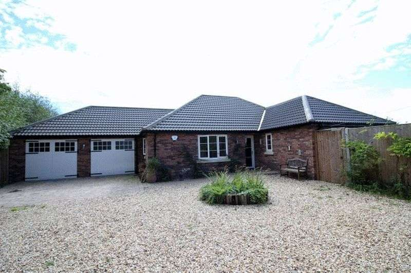 2 Bedrooms Detached Bungalow for sale in Woodhall Spa