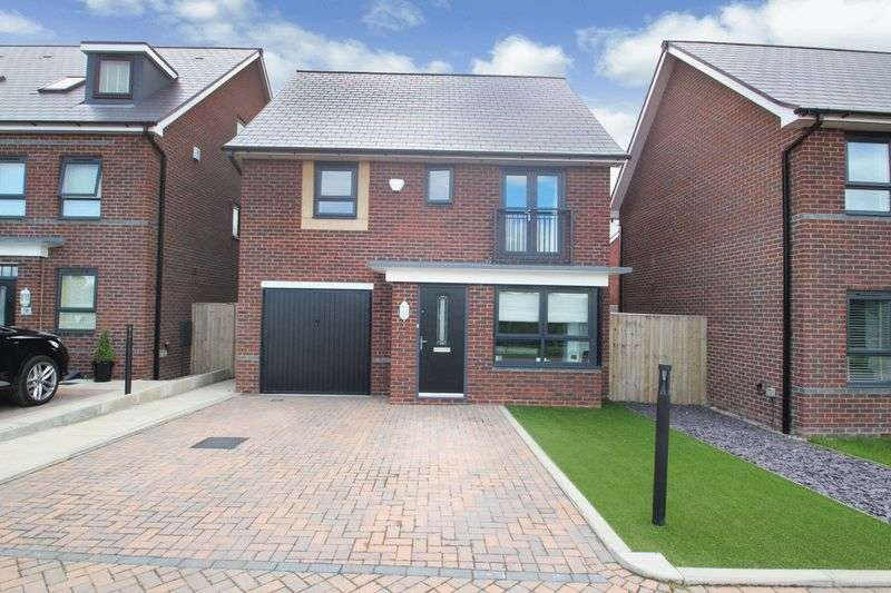 4 Bedrooms Property for sale in Millrace Close, Castleton, Rochdale OL11 2LY