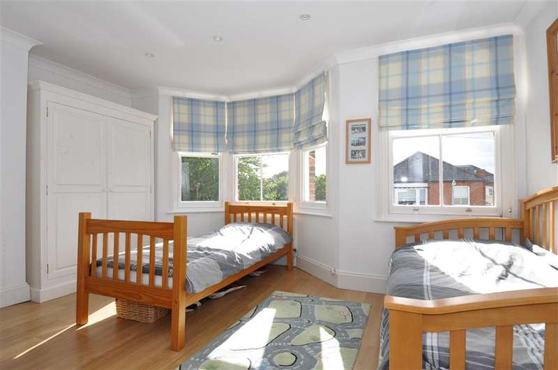 3 Bedrooms End Of Terrace House for sale in Chapel Road, Epping, Essex
