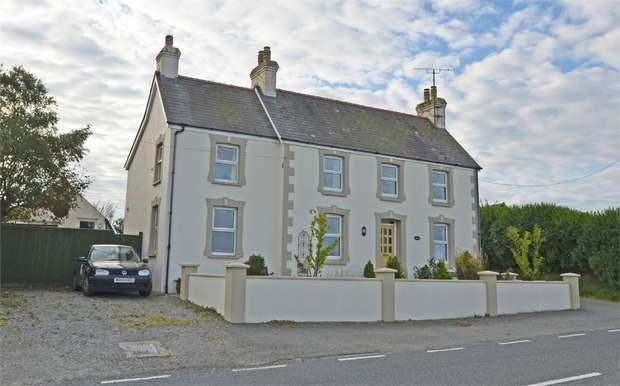 5 Bedrooms Detached House for sale in Square and Compass, Haverfordwest, Pembrokeshire