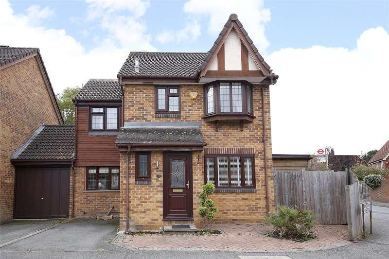 4 Bedrooms Detached House for sale in Angelica Gardens, Croydon