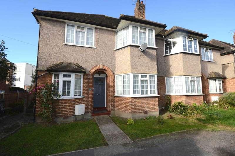2 Bedrooms Maisonette Flat for sale in Welbeck Close, Off Torrington Park