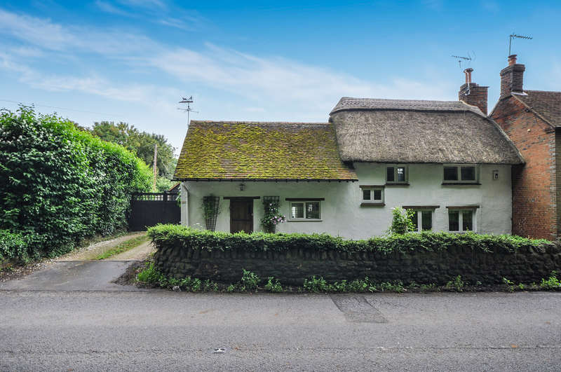 4 Bedrooms House for sale in Thame Road, Long Crendon