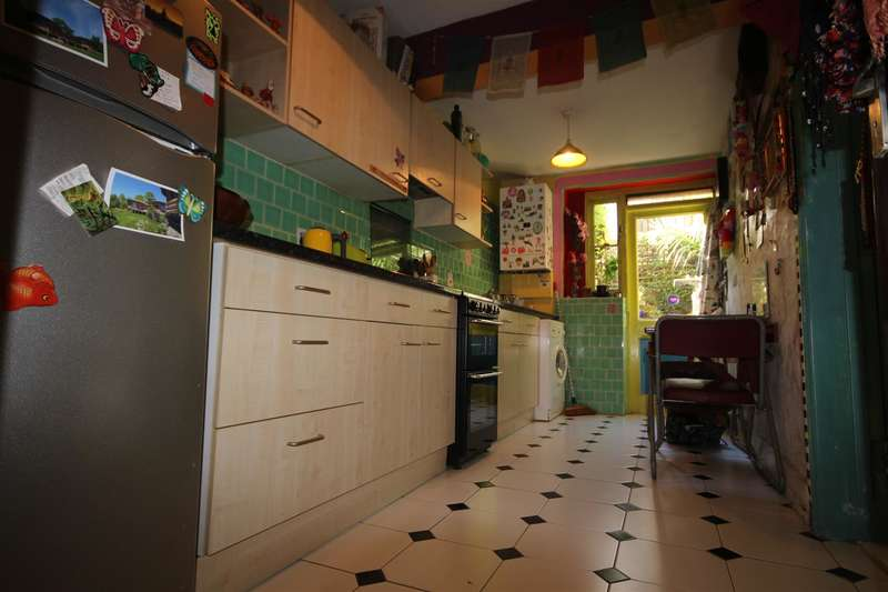 1 Bedroom Flat for sale in Rucklidge Avenue, London