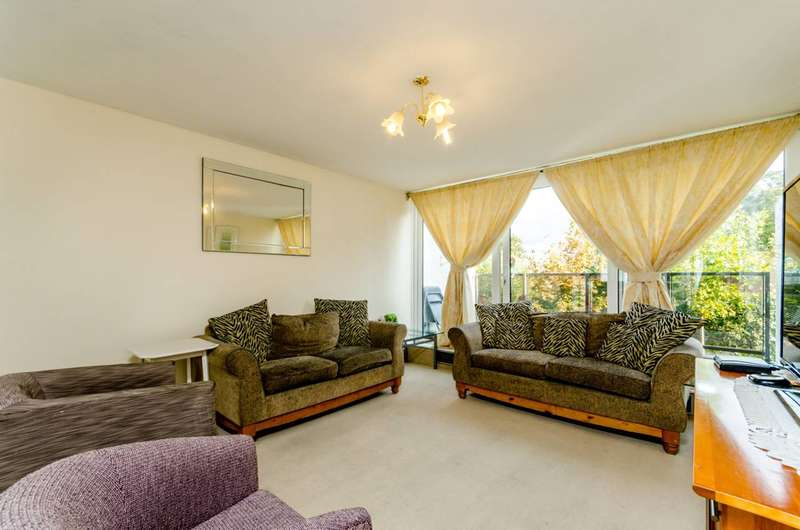 3 Bedrooms Maisonette Flat for sale in Northwood Way, Gipsy Hill, SE19