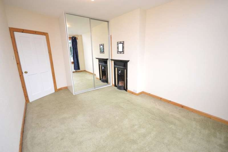 3 Bedrooms Flat for sale in Kings Road, Rosyth, Dunfermline, KY11