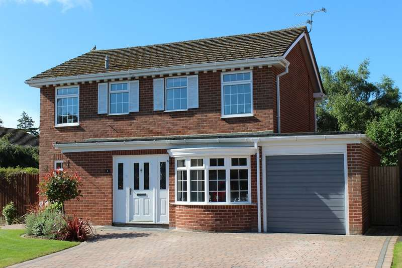 4 Bedrooms Detached House for sale in Chiltern Close, Newbury, Berkshire, RG14