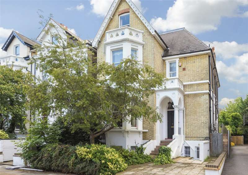 5 Bedrooms Detached House for sale in Marlborough Road, London, W4