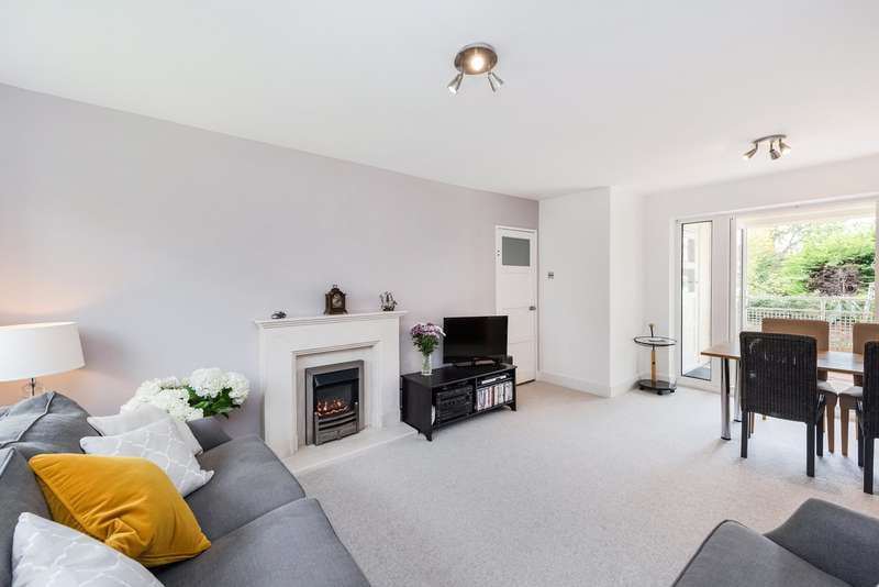 3 Bedrooms Flat for sale in Shipway House, Bolton Road, London, W4
