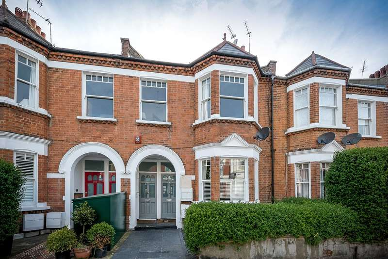 3 Bedrooms Maisonette Flat for sale in Barmouth Road, London, SW18