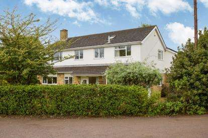 5 Bedrooms Detached House for sale in Hythe, Southampton, Hampshire