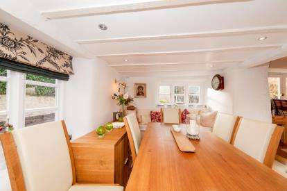 3 Bedrooms House for sale in School Road, Stokeinteignhead, Newton Abbot