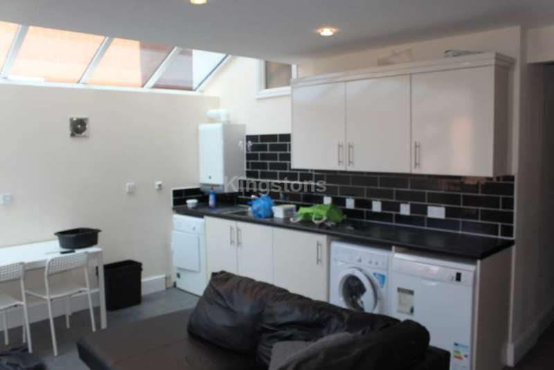 9 Bedrooms House for rent in Crwys Rd, Cathays, CF24 4NE