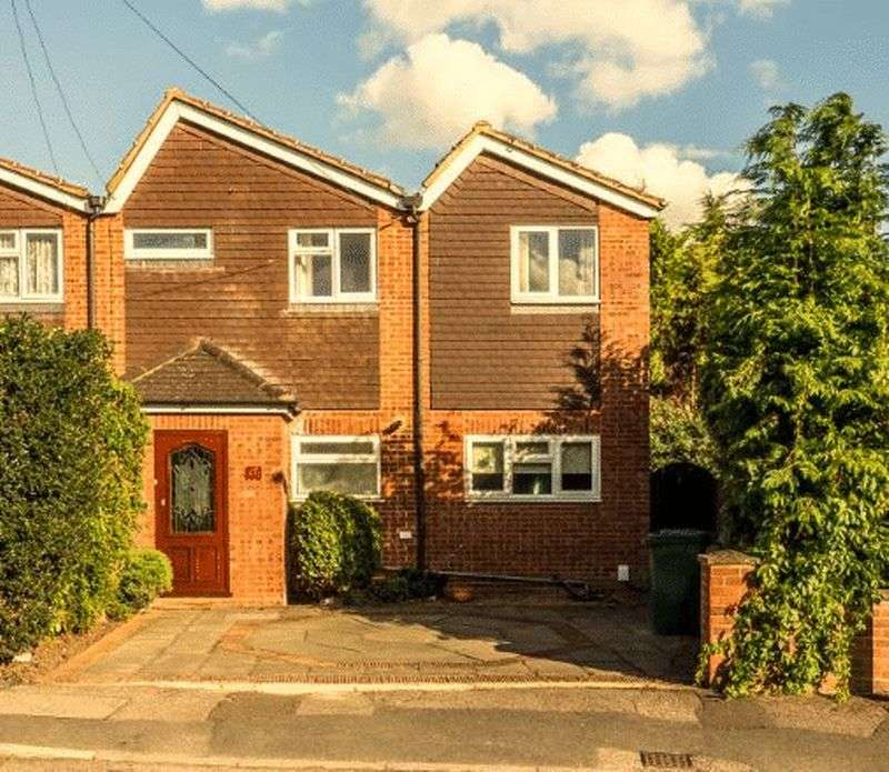 4 Bedrooms House for sale in Orchard Avenue, Ashford