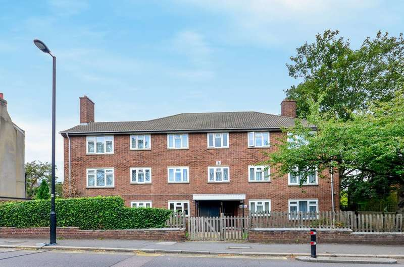 2 Bedrooms Flat for sale in Park Hall Road, West Dulwich, SE21