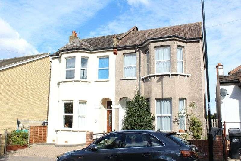 3 Bedrooms Semi Detached House for sale in Broomhall Road, Sanderstead, Surrey