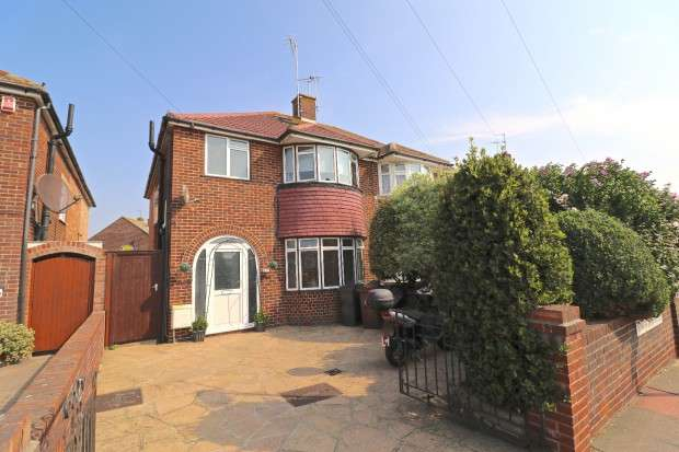 3 Bedrooms Semi Detached House for sale in Ringwood Road, Eastbourne, BN22