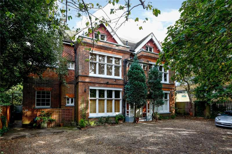 2 Bedrooms Flat for sale in Inner Park Road, Wimbledon, SW19