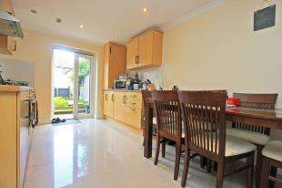 4 Bedrooms Terraced House for sale in Linden Grove, Sydenham, London