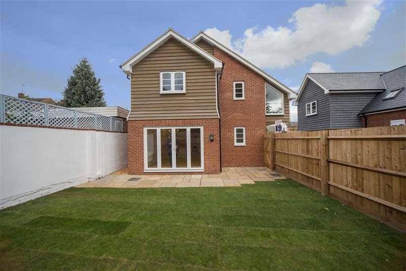 2 Bedrooms Property for sale in Market Square, Toddington