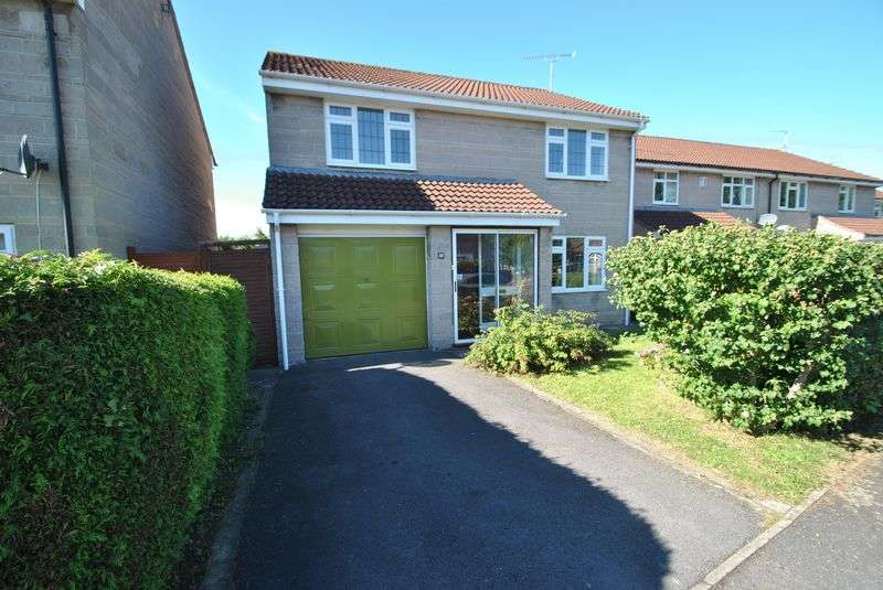 4 Bedrooms Detached House for sale in Four Bedroom Detached Home with No Chain!
