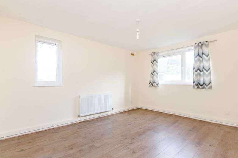 2 Bedrooms Flat for sale in Aldrington Road, Streatham, SW16