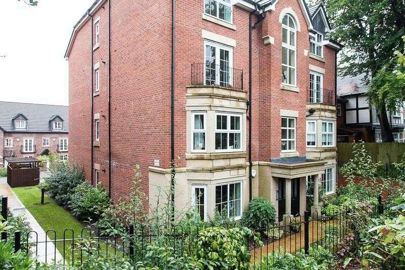 2 Bedrooms Flat for sale in Wigan Road, Standish, WN1 2RF