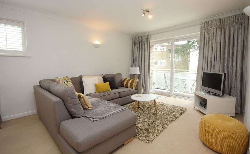 2 Bedrooms Flat for sale in Mudeford, Christchurch