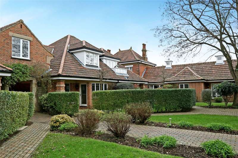 2 Bedrooms Flat for sale in Windsor Forest Court, Mill Ride, Ascot, Berkshire, SL5
