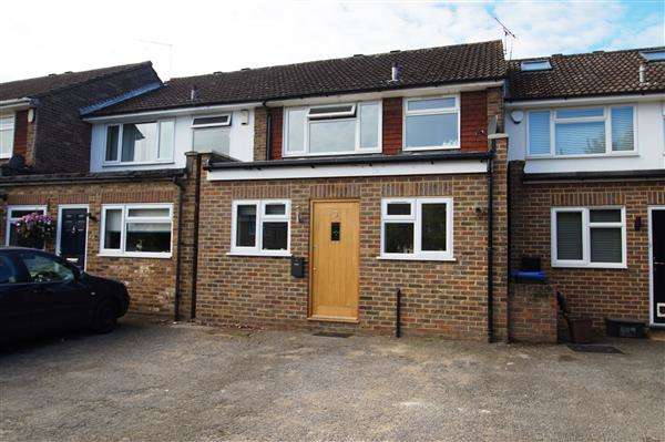 3 Bedrooms Terraced House for sale in Green Lane Court, Off Green Lane, Burnham