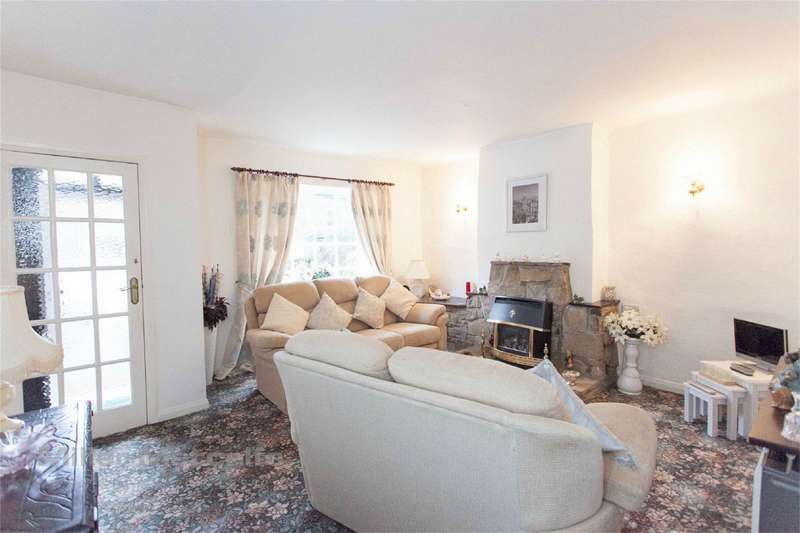 2 Bedrooms Cottage House for sale in Wood Street, Horwich, Bolton, Lancashire