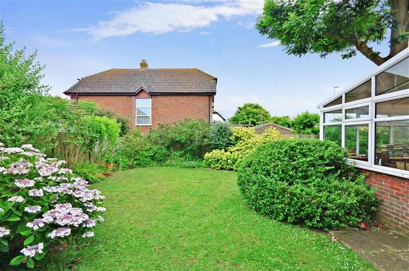 4 Bedrooms Detached House for sale in The Haven, Hythe, Kent