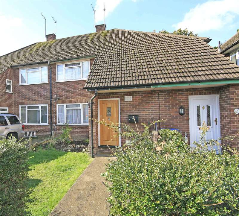 2 Bedrooms Maisonette Flat for sale in Ferney Road, Byfleet, West Byfleet, Surrey, KT14