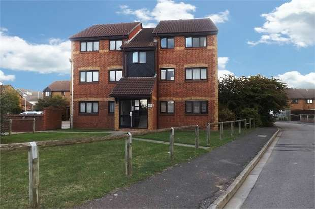 2 Bedrooms Flat for sale in Hawthorne Crescent, West Drayton, Greater London