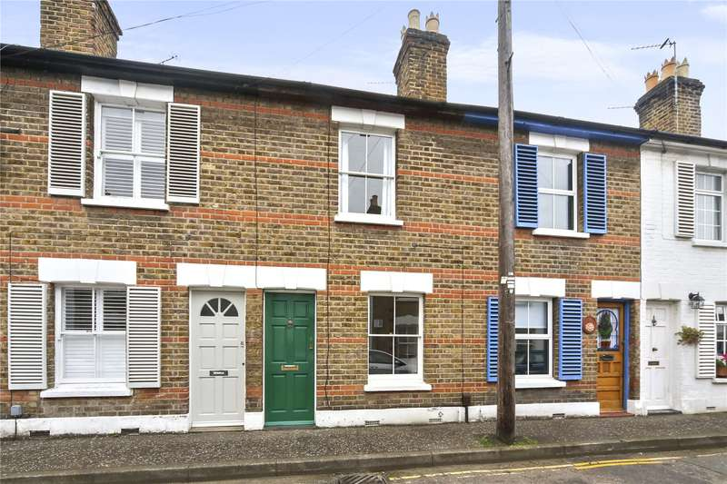 2 Bedrooms Terraced House for sale in Connaught Road, Richmond, TW10