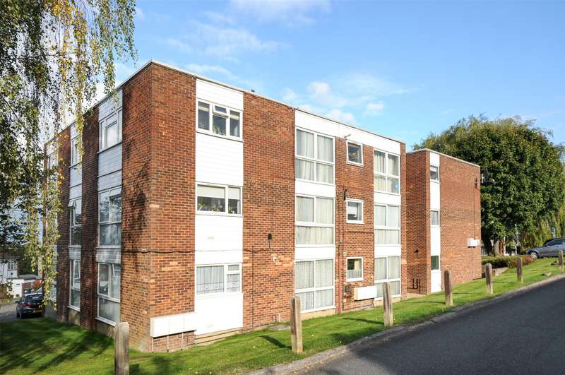 2 Bedrooms Apartment Flat for sale in Claybury, Bushey, Hertfordshire, WD23