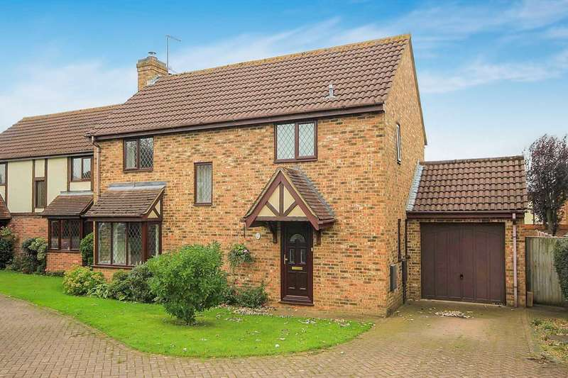 4 Bedrooms Detached House for sale in Poppy Close, Fields End