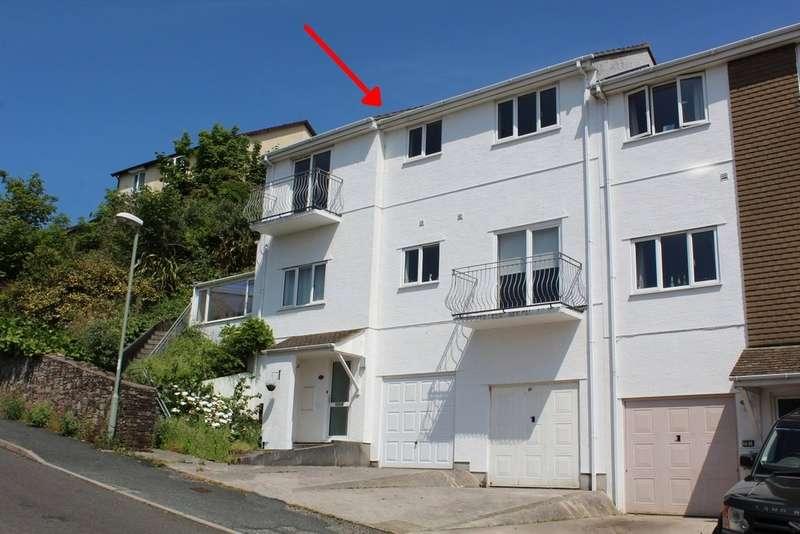 3 Bedrooms Flat for sale in 61 Saffron Park