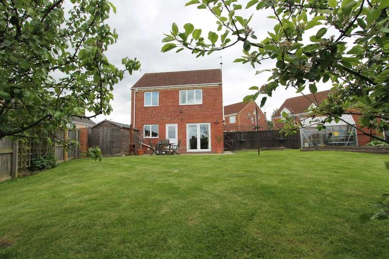 3 Bedrooms Detached House for sale in Cropton Road, Royston, Barnsley, S71 4JJ