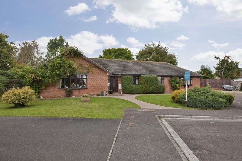 5 Bedrooms Detached Bungalow for sale in Merridge Close, Durleigh, Bridgwater