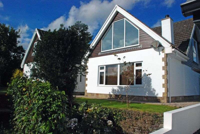 4 Bedrooms Detached House for sale in BURLAWN